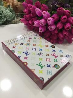 Louis Vuitton Dekoratif Kitap Kutusu resmi